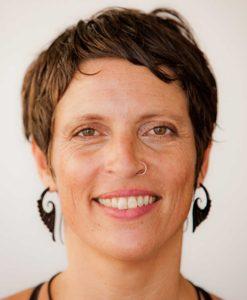 Helen Noakes: Yoga Teacher Scaravelli Yoga